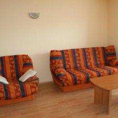 Апартаменты Gt Sunny Fort Apartments Солнечный берег комната для гостей