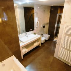 Отель Boutique Hotel Kotoni Албания, Тирана - отзывы, цены и фото номеров - забронировать отель Boutique Hotel Kotoni онлайн ванная