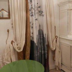 Отель Chambre D'hôtes Un Air De Montmartre Париж удобства в номере