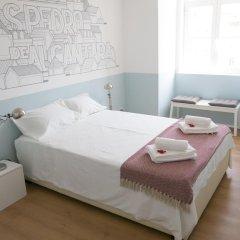 Отель Lisbon Check-In Guesthouse 3* Стандартный номер с двуспальной кроватью (общая ванная комната) фото 8