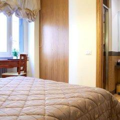 Отель Domus Cavour 3* Стандартный номер с двуспальной кроватью фото 9