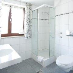 Отель Garni zum Gockl Германия, Унтерфёринг - отзывы, цены и фото номеров - забронировать отель Garni zum Gockl онлайн ванная