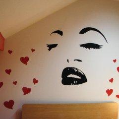 Star Hostel Belgrade Стандартный номер с двуспальной кроватью (общая ванная комната)