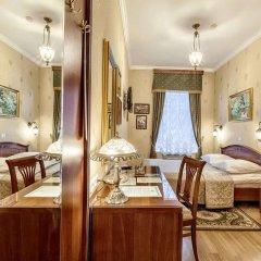 Мини-Отель Серебряный век Улучшенный номер с двуспальной кроватью фото 11