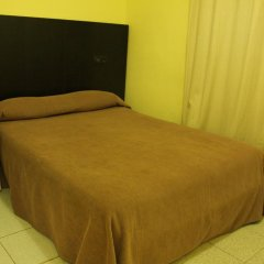 Отель Hostal Baires Стандартный номер двуспальная кровать