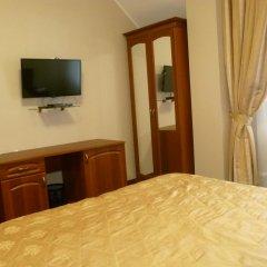 Гостиница Верона Стандартный семейный номер с разными типами кроватей фото 5