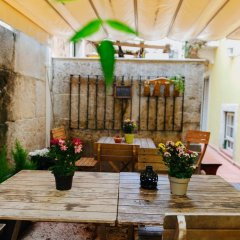 Grapes & Bites - Hostel And Wines Лиссабон гостиничный бар