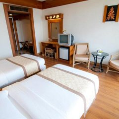 Golden Beach Hotel Pattaya 3* Улучшенный номер с различными типами кроватей
