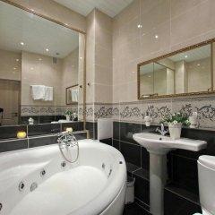 Гостиница Royal Capital 3* Номер Бизнес с различными типами кроватей фото 30
