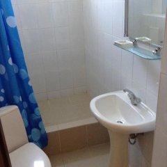 Отель Уютный Причал 2* Кровать в мужском общем номере фото 16