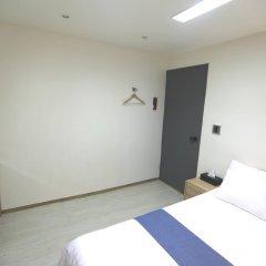 Отель Must Stay 2* Стандартный номер с двуспальной кроватью фото 7