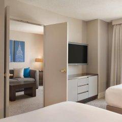 Отель Hilton Suites Chicago/Magnificent Mile комната для гостей фото 10