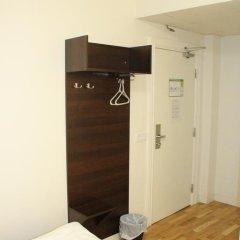 Birka Hostel Стандартный номер с 2 отдельными кроватями фото 25