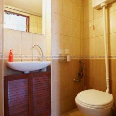 Гостиница To Lviv Econom Studio Украина, Львов - отзывы, цены и фото номеров - забронировать гостиницу To Lviv Econom Studio онлайн ванная