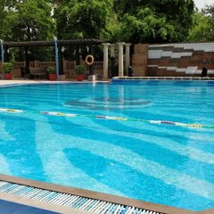 Отель The Suryaa New Delhi бассейн фото 3