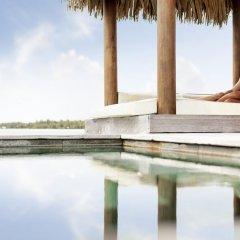 Отель Four Seasons Resort Bora Bora Французская Полинезия, Бора-Бора - отзывы, цены и фото номеров - забронировать отель Four Seasons Resort Bora Bora онлайн бассейн фото 3