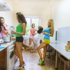 Гостиница Hostel Millenium na Bagnyuka в Омске 10 отзывов об отеле, цены и фото номеров - забронировать гостиницу Hostel Millenium na Bagnyuka онлайн Омск питание
