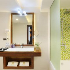 Отель Plumeria Maldives 4* Номер Делюкс с различными типами кроватей фото 5
