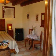 Отель Terre Rosse Farmhouse Италия, Региональный парк Colli Euganei - отзывы, цены и фото номеров - забронировать отель Terre Rosse Farmhouse онлайн удобства в номере