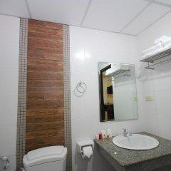 Отель Patong Budget Rooms Улучшенный номер с различными типами кроватей фото 4