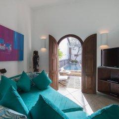 Отель Ambassador's House - an elite haven комната для гостей