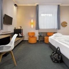 Отель IntercityHotel München 4* Стандартный номер с двуспальной кроватью фото 6
