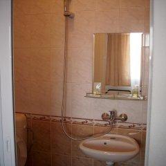Отель Georgievi Guest House Болгария, Поморие - отзывы, цены и фото номеров - забронировать отель Georgievi Guest House онлайн ванная