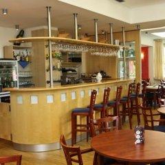 Отель Bellevue Чехия, Карловы Вары - отзывы, цены и фото номеров - забронировать отель Bellevue онлайн гостиничный бар