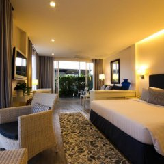 Отель Phuket Boat Quay 4* Номер Делюкс разные типы кроватей фото 6