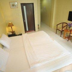 Holiday Hotel Номер Делюкс с различными типами кроватей фото 6