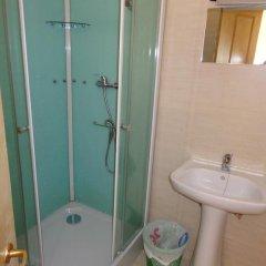 Отель Residencial Portuguesa 3* Стандартный номер с 2 отдельными кроватями (общая ванная комната) фото 17