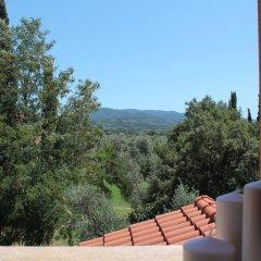 Отель Agriturismo Tra gli Ulivi Кастаньето-Кардуччи балкон