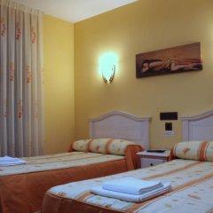 Отель Hostal Regio Номер категории Эконом с различными типами кроватей фото 13