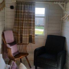 Отель The Little Hide - Grown Up Glamping Бунгало с различными типами кроватей фото 20