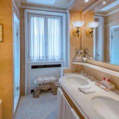 Отель Hassler Roma 5* Номер Делюкс с различными типами кроватей фото 8