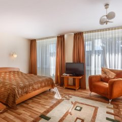 Гостиница Орбиталь (ЦИПК) в Обнинске 10 отзывов об отеле, цены и фото номеров - забронировать гостиницу Орбиталь (ЦИПК) онлайн Обнинск комната для гостей фото 4