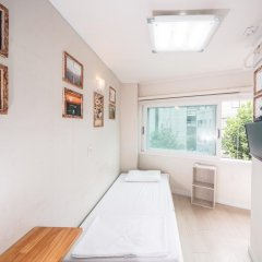 Хостел Itaewon Inn Стандартный номер с различными типами кроватей фото 5