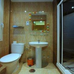 Отель Hostal Regio Стандартный номер с различными типами кроватей фото 22