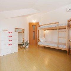 Hostel Like Sochi Кровать в женском общем номере с двухъярусной кроватью