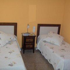 Отель Hostal Restaurante Arasa Стандартный номер с 2 отдельными кроватями фото 3