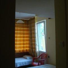 Отель East Gate Guest Rooms Стандартный номер с различными типами кроватей фото 21