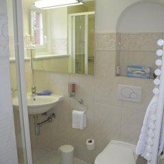 Отель Chesa Spuondas Швейцария, Санкт-Мориц - отзывы, цены и фото номеров - забронировать отель Chesa Spuondas онлайн ванная