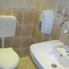 Отель Pri Voivodite Guest House Банско ванная
