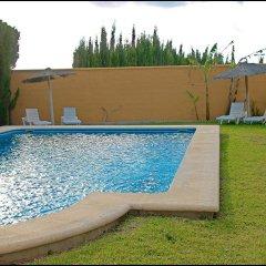 Отель Chalet Bungalow La Roa Испания, Кониль-де-ла-Фронтера - отзывы, цены и фото номеров - забронировать отель Chalet Bungalow La Roa онлайн бассейн фото 3