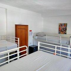 Lisbon Cosy Hostel Кровать в общем номере с двухъярусной кроватью фото 4