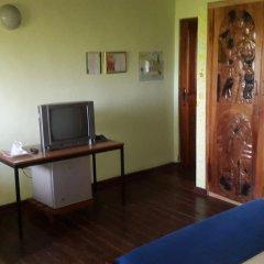 Отель Almond Tree Guest House 3* Стандартный номер с различными типами кроватей фото 4