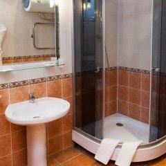Гостиница У фонтана 3* Улучшенный номер двуспальная кровать фото 12