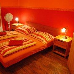 Boomerang Hostel and Apartments Стандартный номер с двуспальной кроватью (общая ванная комната) фото 7