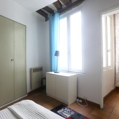 Отель Lovely and Typical 1 bedroom удобства в номере