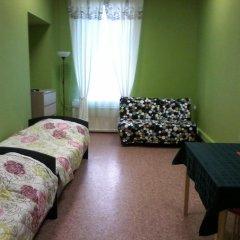 White Nights Hostel Стандартный семейный номер с различными типами кроватей фото 6